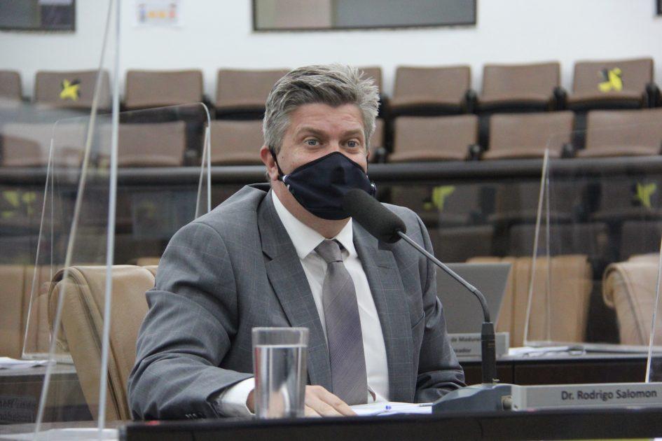 Dr. Rodrigo Salomon pede rondas da Guarda Municipal e capina e limpeza no Jardim do Vale