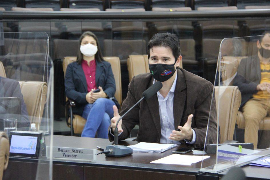 Hernani questiona impacto financeiro a servidores públicos desde a suspensão de direitos trabalhistas