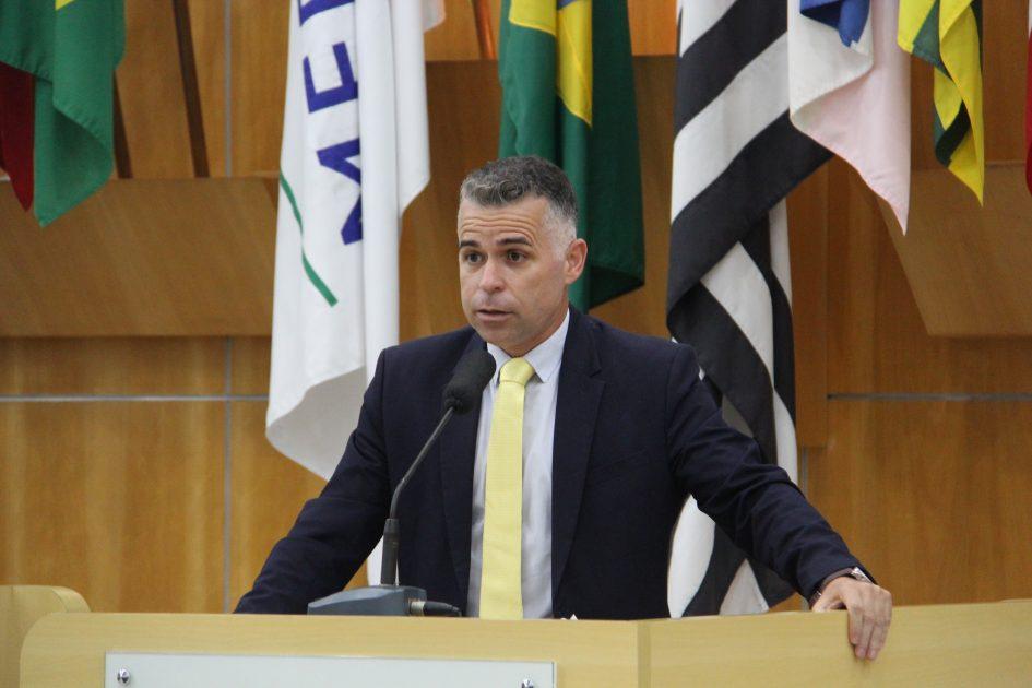 Luís Flávio quer ação da prefeitura em cruzamento na Av. São João