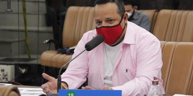 Roninha questiona Prefeitura sobre situação do prédio da antiga Rodoviária de Jacareí