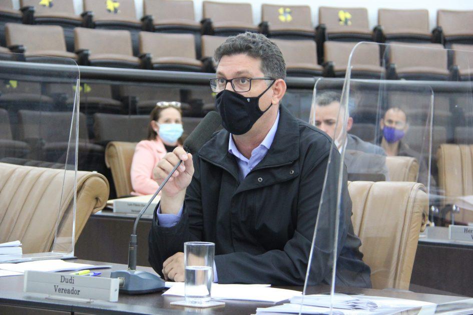Dudi pede à Prefeitura manutenção em campo de areia no Bandeira Branca I
