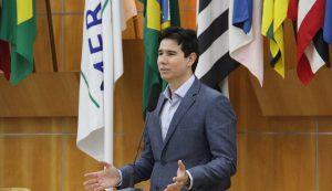 Hernani pede ampliação de horário de vacinação contra Covid-19