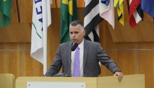 Luís Flávio denuncia falta de remédios de alto custo na Defensoria Pública