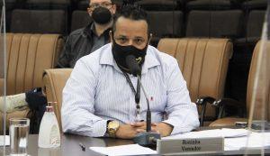 Roninha questiona prefeito sobre instalação do Bom Prato em Jacareí