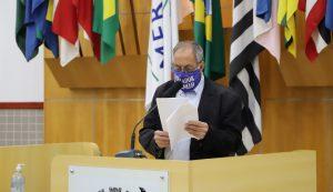 Valmir pede informações sobre área verde da Prefeitura no Jardim das Oliveiras