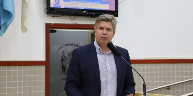 Dr. Rodrigo Salomon pede rondas da PM e serviços de varrição em bairros da região sul e leste