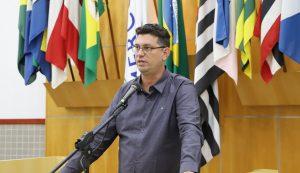 Dudi pede construção de praça pública no Jardim Terras de São João