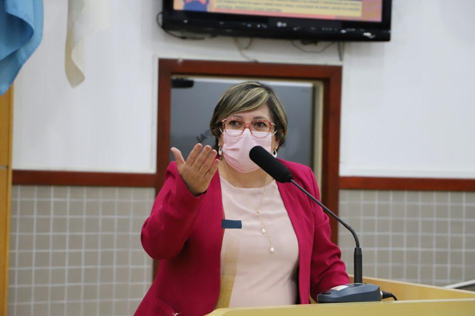 Maria Amélia pede intervenção da Guarda Civil para impedir aglomerações após as 22h em praça do Jd. Vera Lúcia