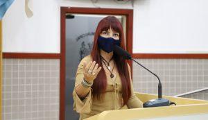 Sônia pede manutenção de asfalto e instalação de abrigo em pontos de ônibus na Estrada do Tanquinho